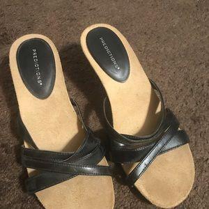 Predictions sandal 7 1/2 wide black womens